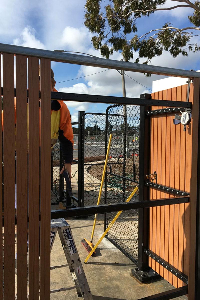 modwood fencing experts Melbourne
