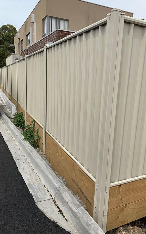 Fencing Contractors Northcoote | Diamond Fencing Melbourne