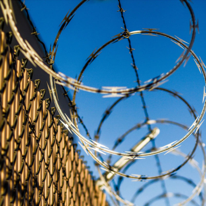 Using Barbed & Razor Wire In Fencing