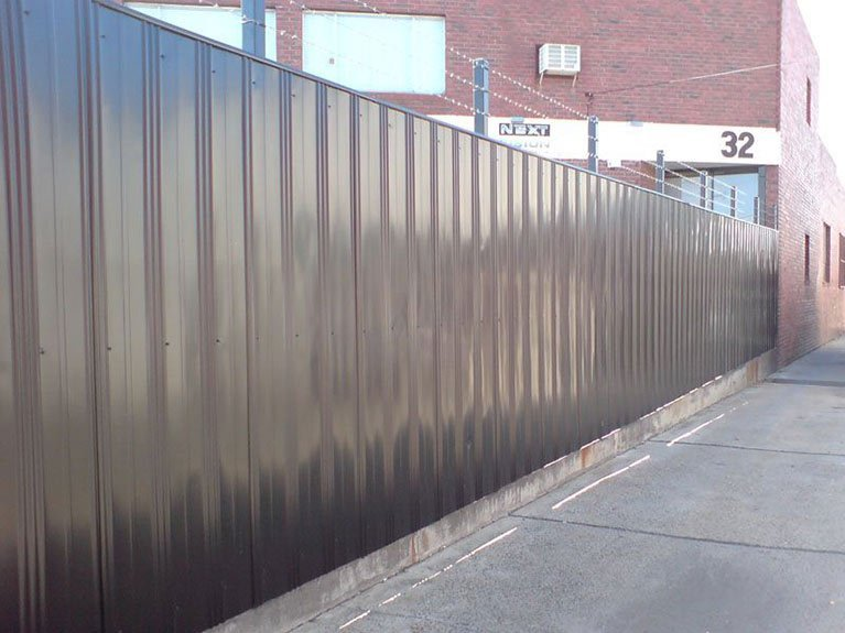 colorbond fence around building Melbourne
