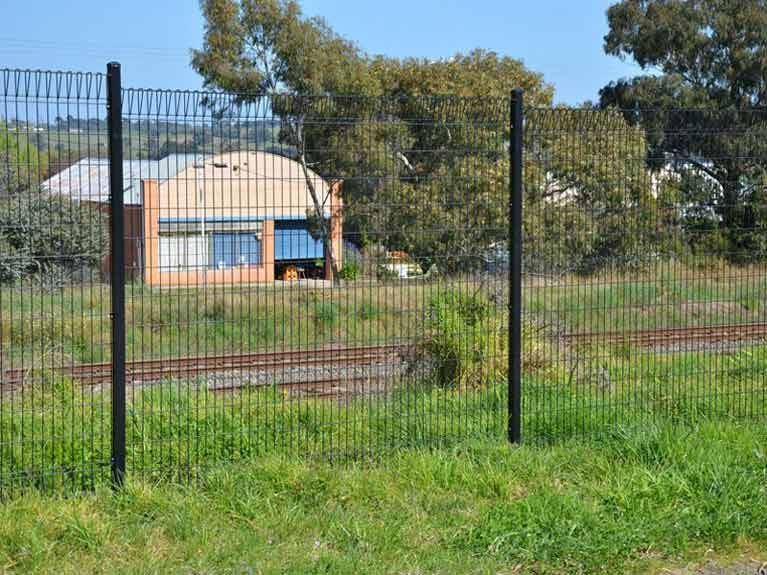 welded mesh fencing around house Melbourne