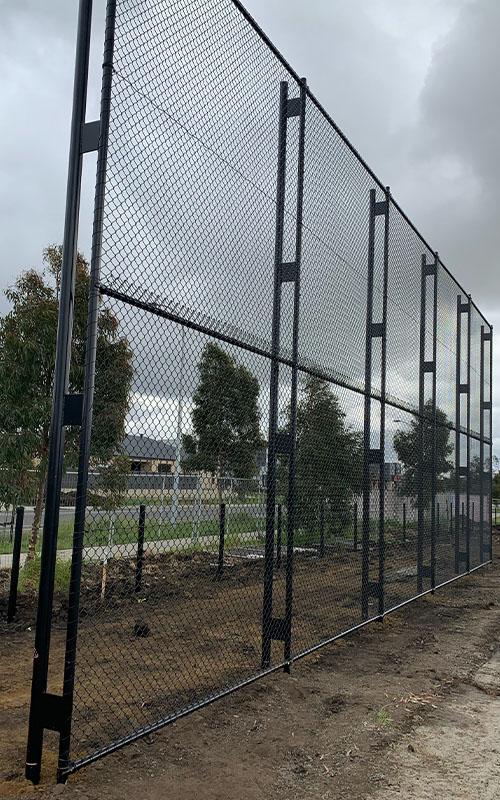 Fencing Contractors Williamstown | Diamond Fencing Melbourne
