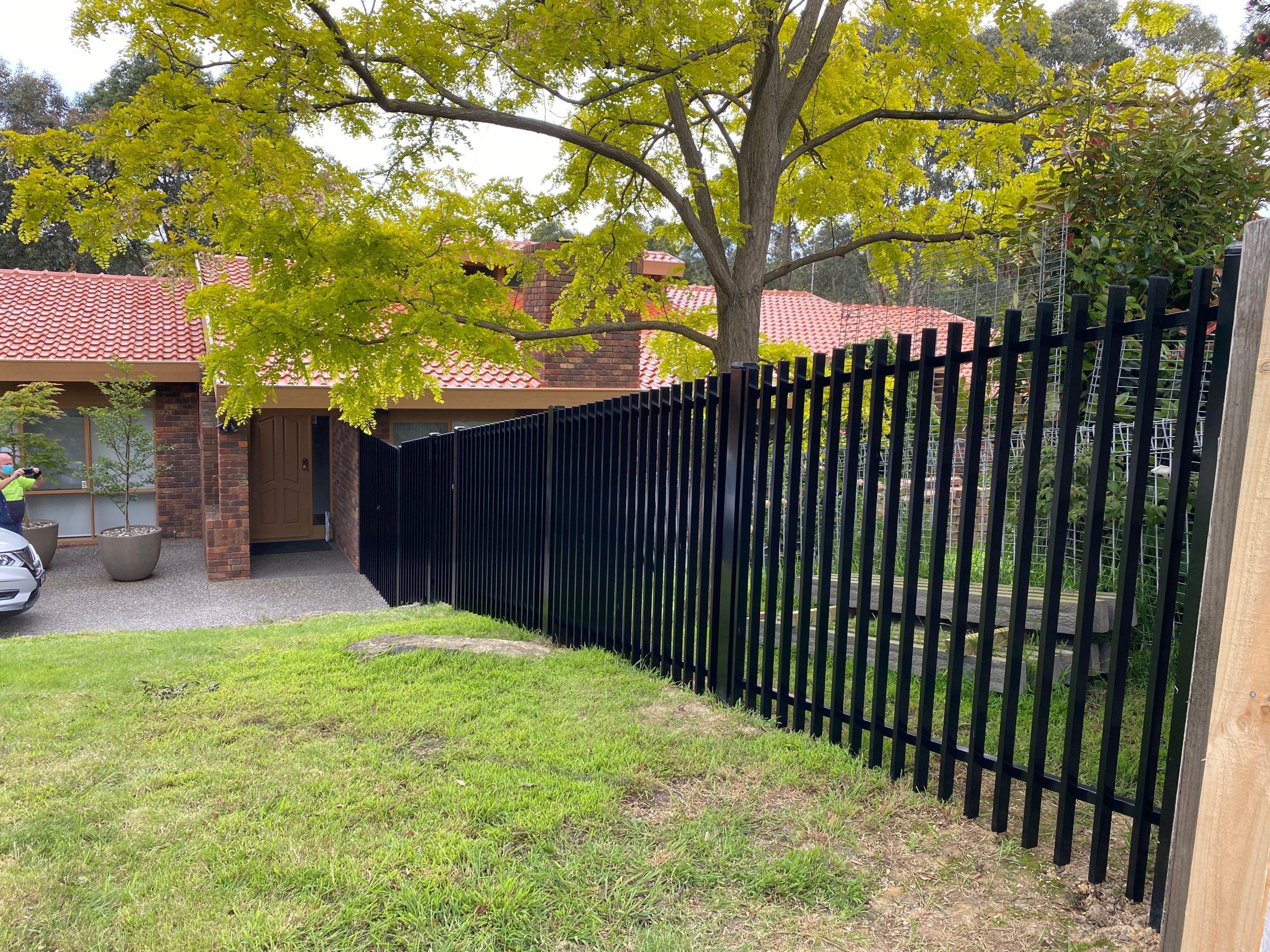 Templestowe finn type fence