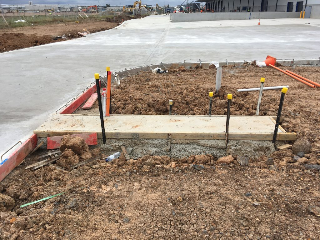 fence installation concrete slabs