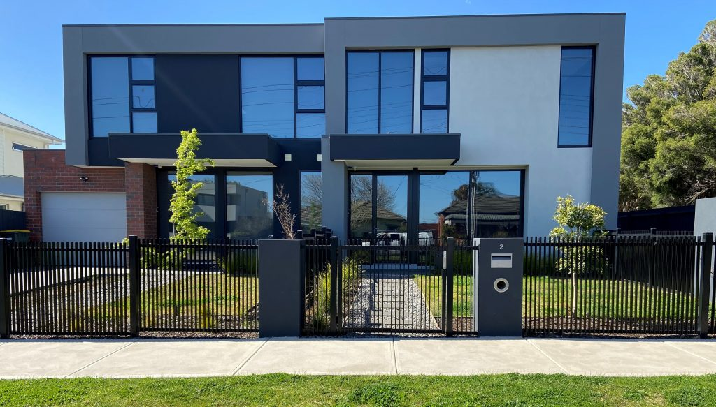 metal fencing in melbourne suburbs